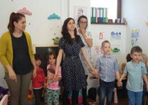 Copiii cu autism, ajutați să se integreze în mediul școlar