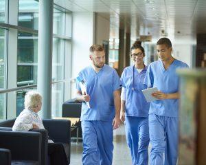 Încep înscrierile la examenul de specialist pentru medici și farmaciști