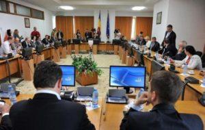 Parlamentarii joacă alba-neagra cu programele naționale de sănătate