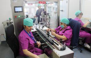 Angajări masive la Institutul Cantacuzino. Producția de vaccin mai are de așteptat