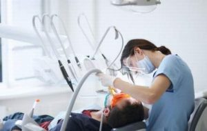 Ministrul Sănătății anunță controale în cabinetele stomatologice