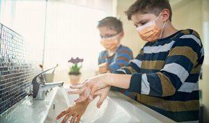 Un nou studiu confirmă importanța spălării mâinilor pentru evitarea infecției cu SARS-CoV-2