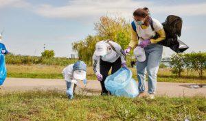 Elevii și ONG-urile cer introducerea educației pentru mediu, în program școlară