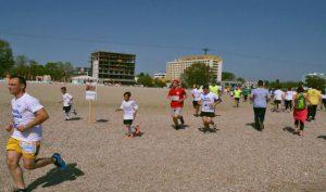 Ultramaratonul organizat în sprijinul copiilor cu autism revine pe plaja din Mamaia