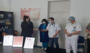 Gest de recunoștință al elevilor de la Eminescu, pentru medicii buzoieni care se luptă cu pandemia