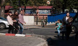 Bastoane smart pentru 70 de nevăzători din România