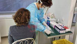 Medimfarm a spart gheața testării COVID în farmacii și la Buzău